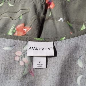 Ava & Viv Tops - 💥Just In💥AVA & VIV Floral Top...Size X